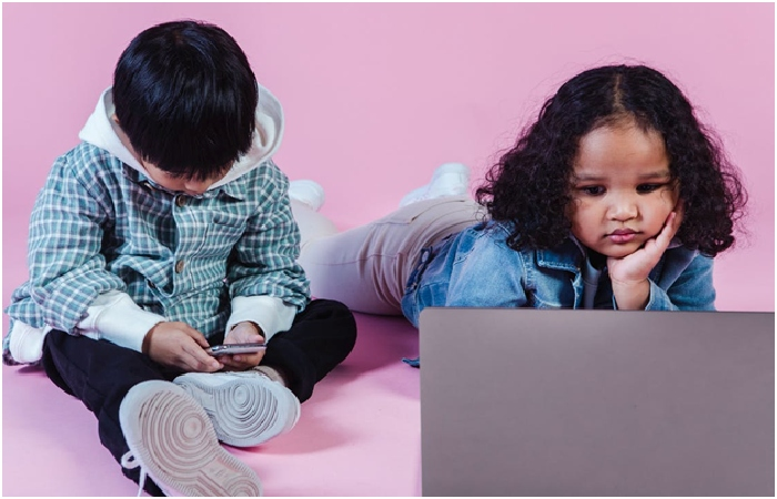 How does Technology affect children's mental health